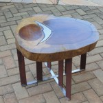 Mesa de centro com pé de inox e aço corten , alumínio fundido - Altura: 45 cm | Diâmetro : 50 cm | Material: Inox , madeira alumínio fundido e aço corten