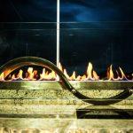 Lareira Forjada - Largura: 110 cm | Altura: 50 cm | Profundidade: 30 cm | Material: Inox e vidro temperado
